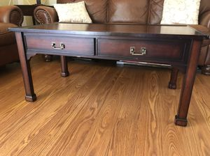 Coffee table for Sale in Gainesville, VA