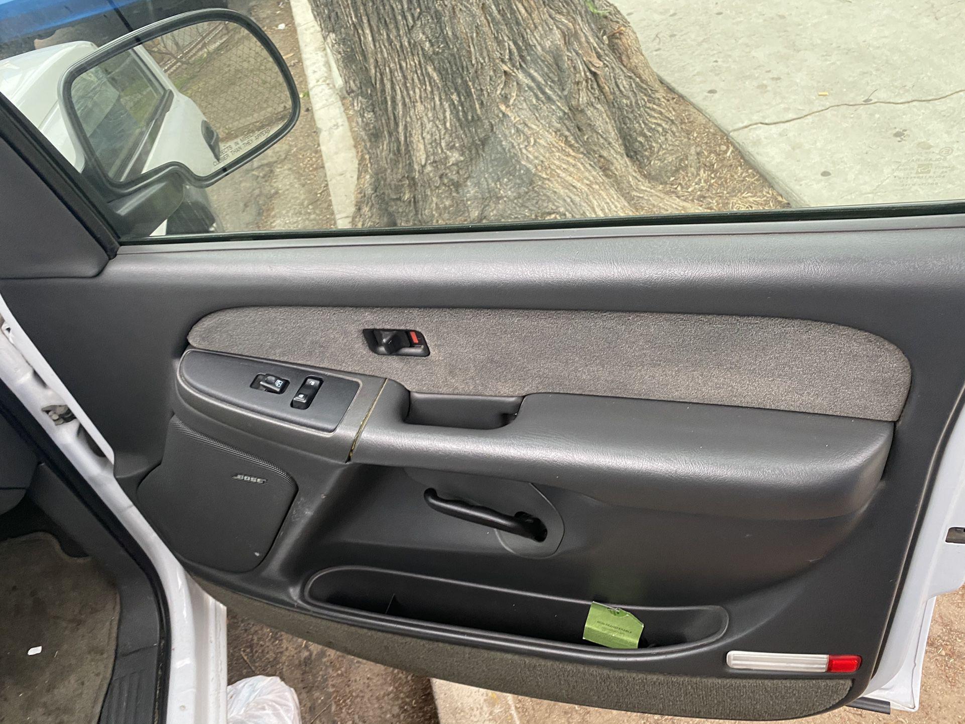 Silverado 2003 Motor 4.8 V8 Excelentes Condiciones La Camioneta Cuenta Con 183 Mil Millas