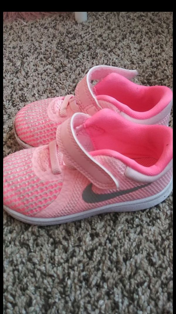 afb1f914060a Toddler Nike s size 6c for Sale in Modesto