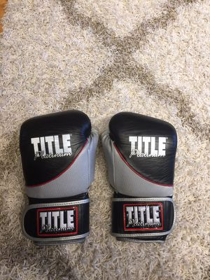 Boxing gloves for Sale in Chicago, IL