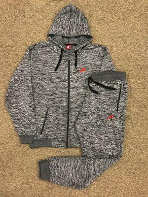 Nike sweatsuit 2x 3x for Sale in Lanham, MD