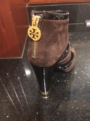 Authentic Tory burch ankle boots for Sale in Leesburg, VA