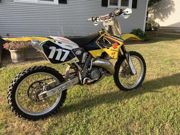 2001 suzuki rm125cc 2 stroke!!