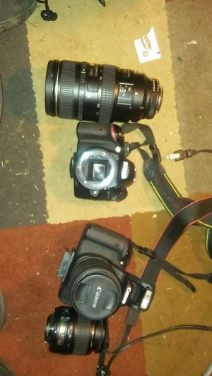 Nikon camera cannon camera for Sale in Lancaster, OH