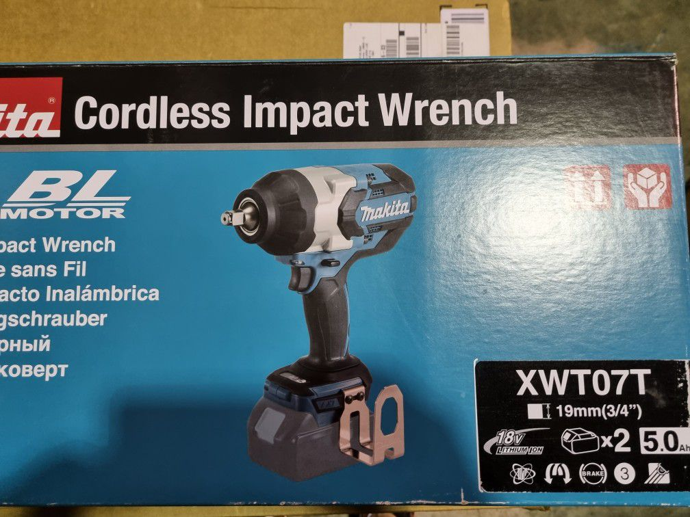 """Makita XWT07T 5.0 Amp 18V LXT Lithium-Ion Brushless Cordless High Torque 3/4"""""""