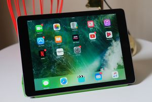 Apple iPad Air Wifi Space Gray for Sale in Orlando, FL