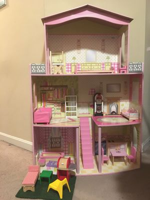 Doll house with furniture like new condition. for Sale in Franconia, VA