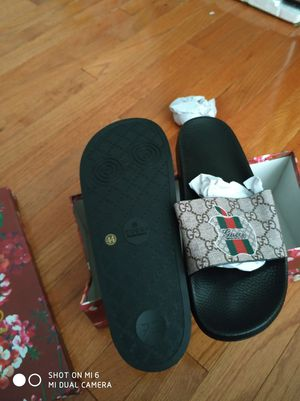 Gucci slipper. Sizes 44 for Sale in Gaithersburg, MD