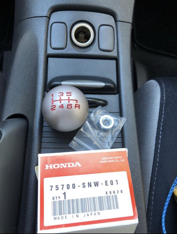 New OEM 6 speed Honda Type R shift knob fits hondas and acura for Sale in  Port St  Lucie, FL - OfferUp