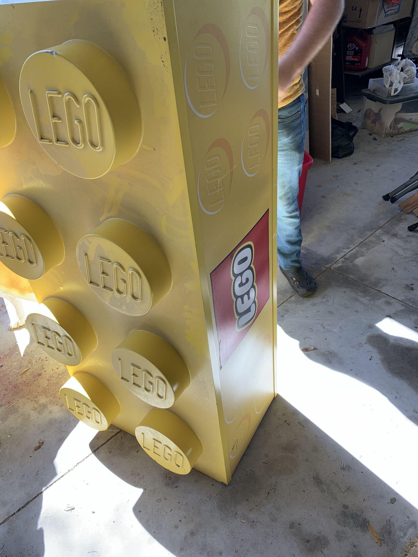 Leggo Display