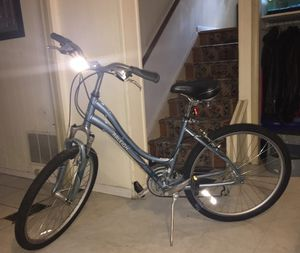 Raleigh Venture 4.0 women's bike for Sale in Silver Spring, MD