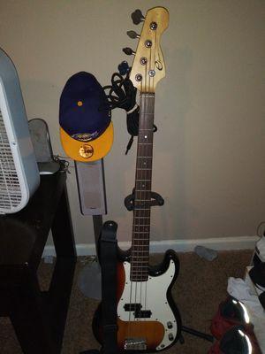Bass guitar for Sale in Gallatin, TN