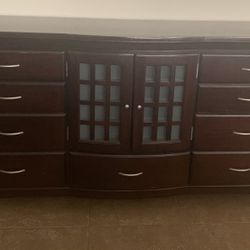 Very nice Dresser/Consol/living room Credenza Buffet Thumbnail