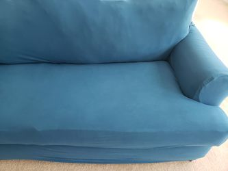 Rooms To Go Sofa With Easygoing Cover Thumbnail