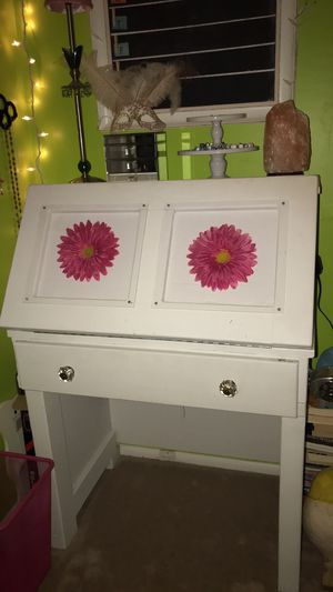 Vintage desk with chair for Sale in Annandale, VA