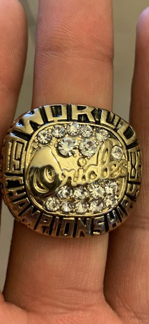 Ripken jr. championship ring size 11 for Sale in El Paso, TX