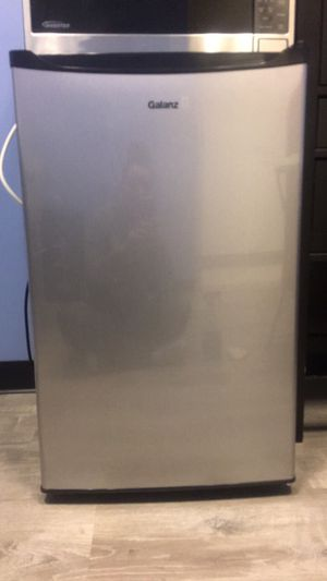 Tall Mini Fridge. Barely used. for Sale in Fairfax, VA