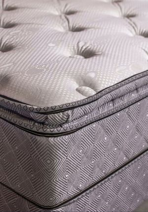 Queen pillow top mattress set for Sale in Austin, TX