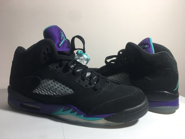 852eb8d3b0a4 Air Jordan retro 5 Black Grape size 5y for Sale in Owings