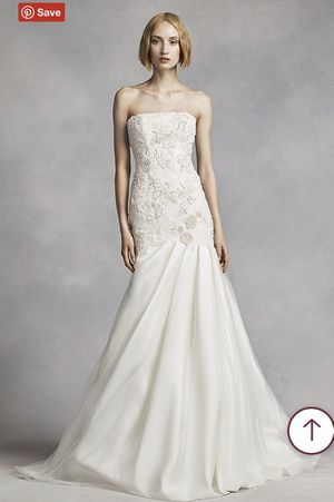 Photo WHITE By VERA WANG LACE MERMAID DRESS