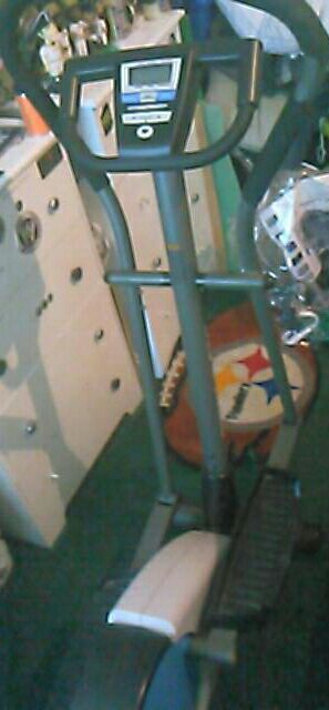 Eliptical exercise machine for Sale in Pittsburgh, PA