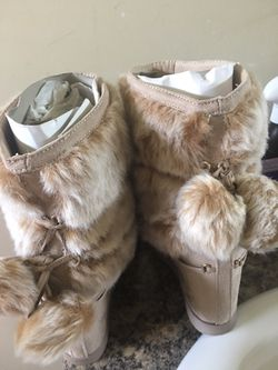 Girl's boot size 8.5 Thumbnail