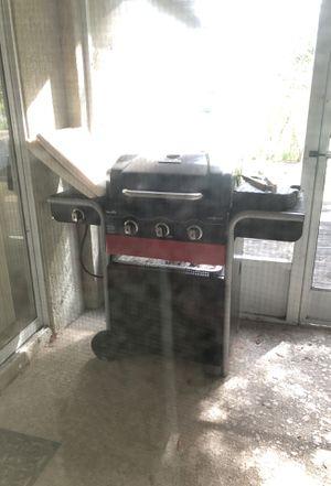 Char broil grill gas 2 coal for Sale in Deltona, FL
