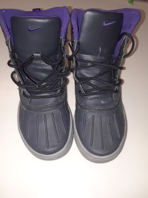 Nikes size 4.5y for Sale in Fort Belvoir, VA