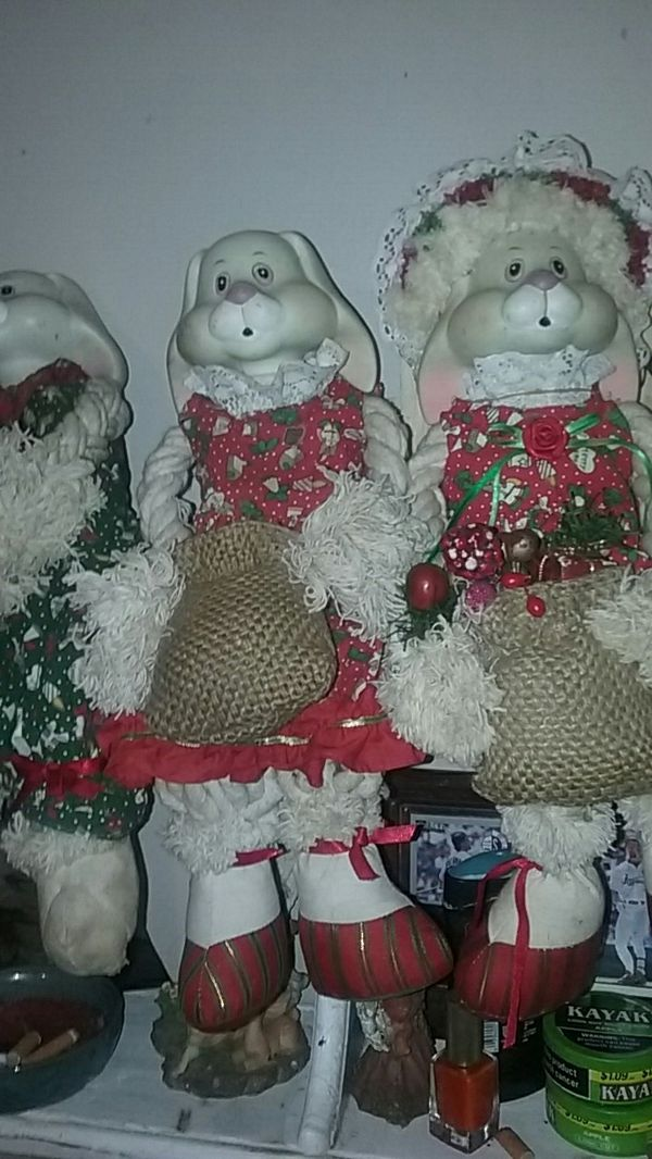 These are porcelain clown dolls good shape for Sale in Horton, AL - OfferUp