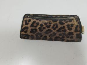 Michael kors wallet cheetah for Sale in Pittsburgh, PA