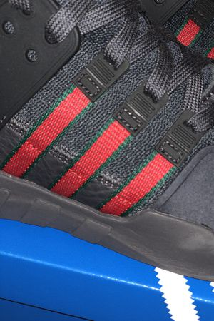 0e089a4d6c93 Adidas Gucci Sz 9 Men s for Sale in Seattle