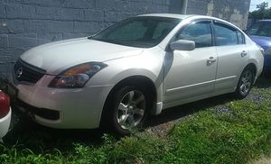 Nissan altima 2008 4 cilindros 160000 millas for Sale in Washington, DC