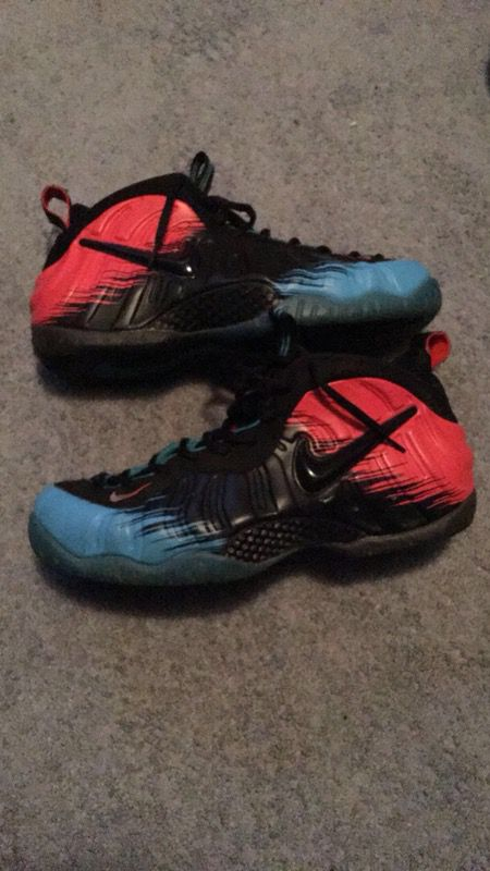 ff1a0f3d3ac4d Spider-Man foams ! (9-10C) (Clothing   Shoes) in Belle