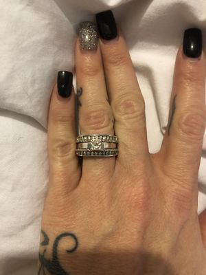 Wedding/engagement ring for Sale in Alton, IL