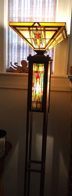 Dale Tiffany torchiere floor lamp for Sale in Washington, DC