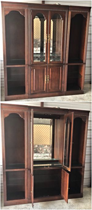 Hammary Carlton Manor Cherry Finish Three Piece Lighted Wall Unit for Sale in Baltimore, MD