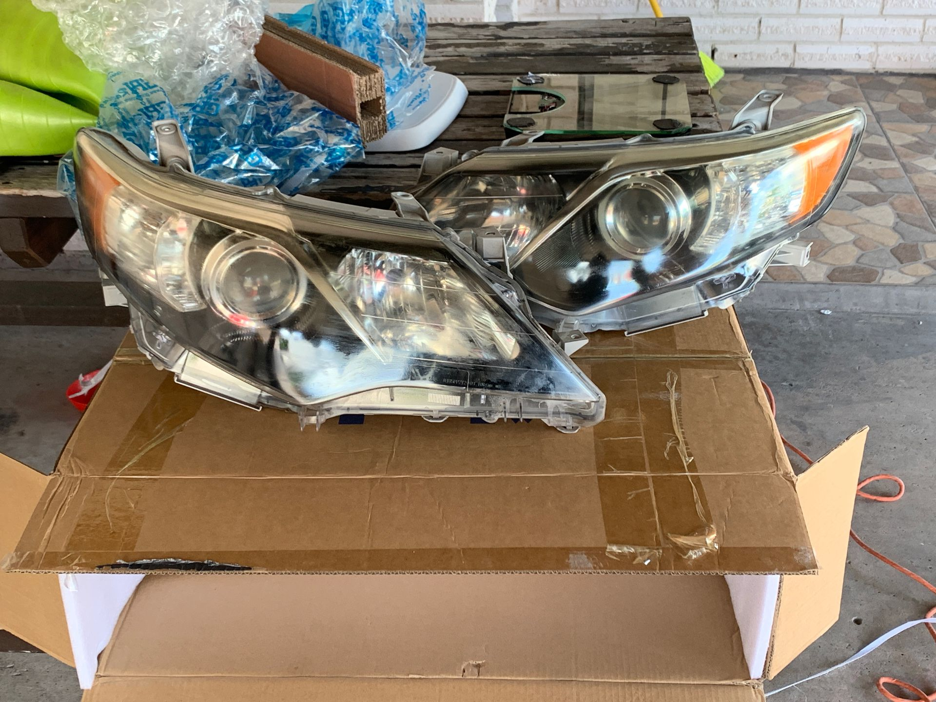 2012-2014 Toyota Camry headlights