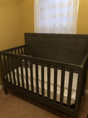Cambridge 4-in-1 Convertible Crib for Sale in Odenton, MD