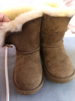 cb59b1acce7 New and Used Toddler ugg boots for Sale in Newark, NJ - OfferUp