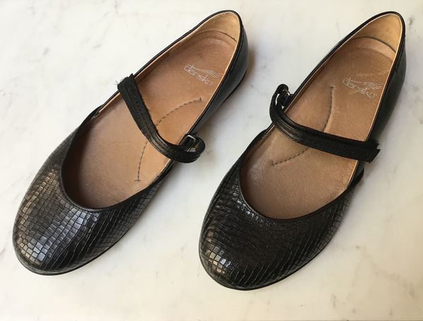 Textured Black Leather Non Skid Dansko Flats Size 7 Clothing Shoes In Raleigh Nc Offerup