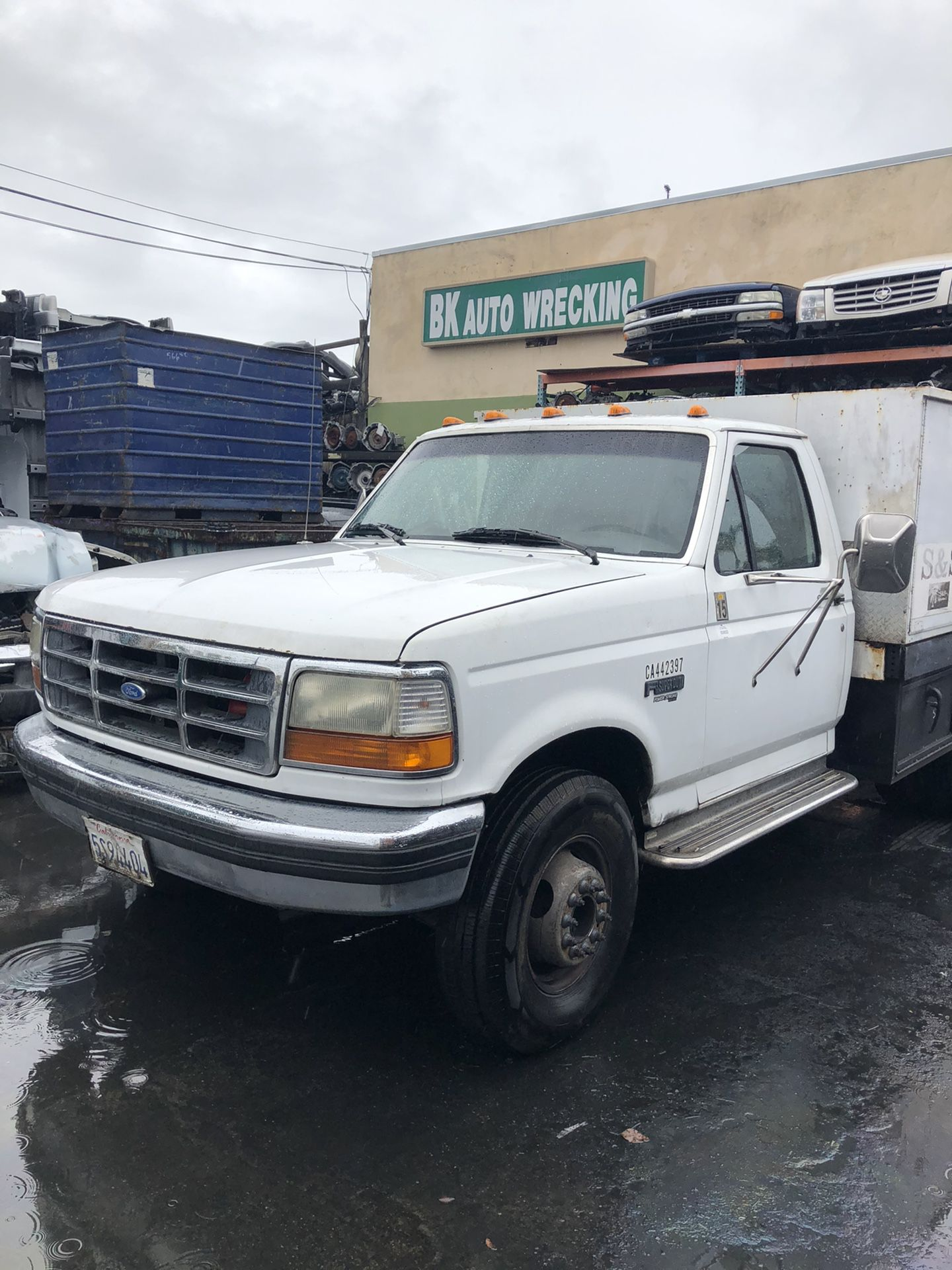 1996 ford truck or bronco parts this is a 7.3 diesel flat bed