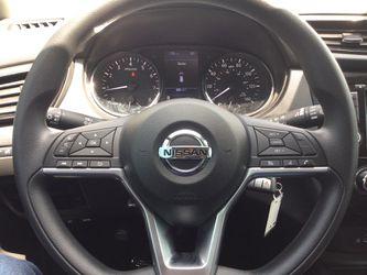 2020 Nissan Rogue Thumbnail