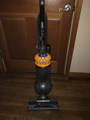 Dyson Ball multi floor vacuum Two years old bought on Amazon for Sale in Ventura,
