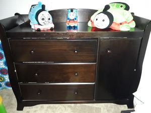 Baby changing table & dresser for Sale in Sudley Springs, VA
