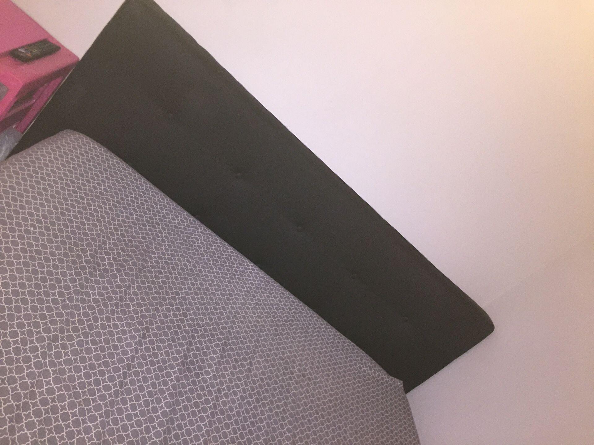 Upholstered Platform Bed (BLACK)