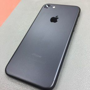 iPhone 7 32GB unlocked with box for Sale in Laurel, MD