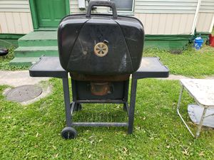 Bbq grill for Sale in Racine, WI