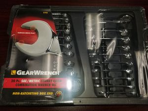 New, 20pc SAE/METRIC Stubby Fixed Combination Wrench Set for Sale in Auburn, WA