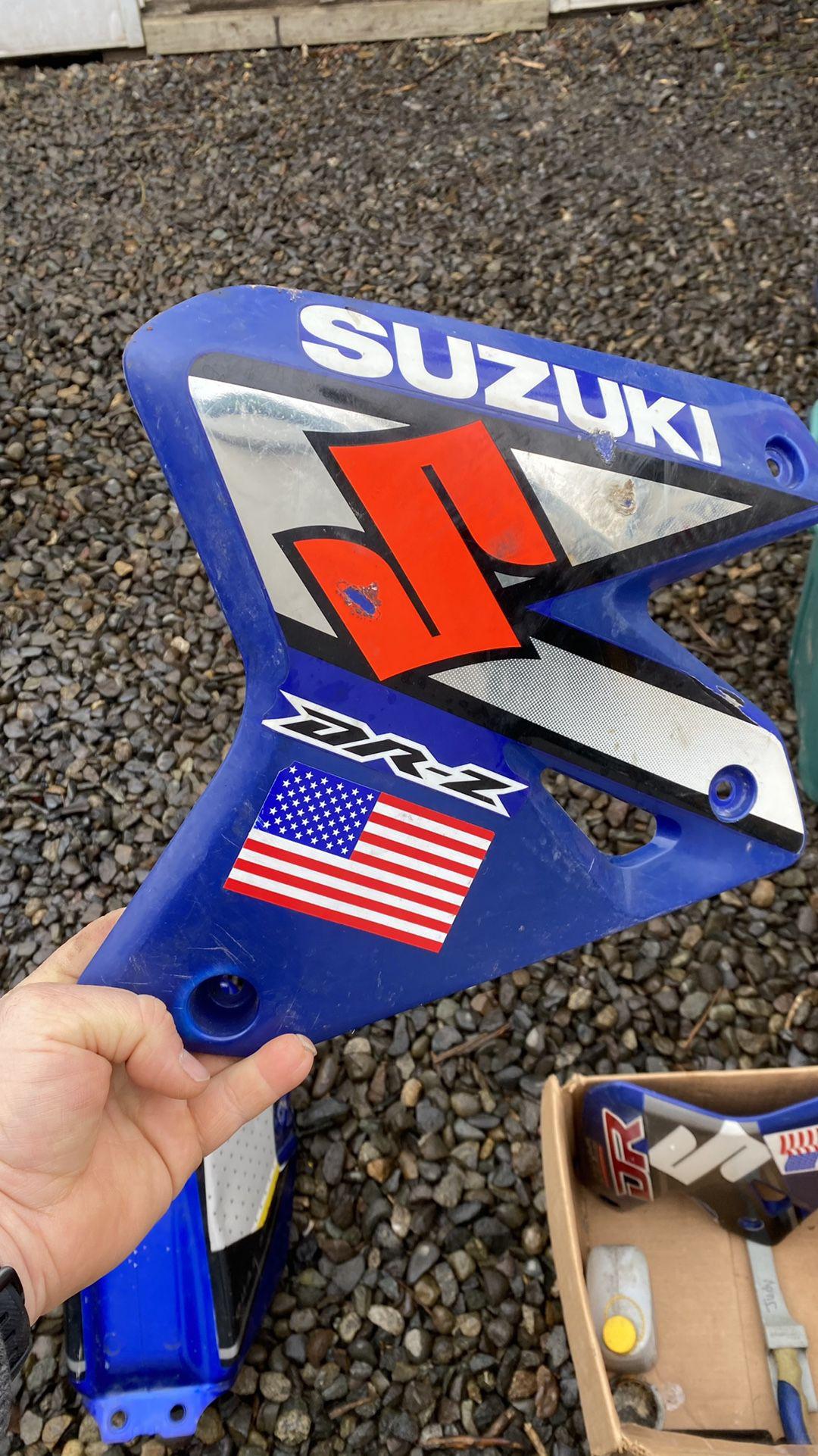 2000 Suzuki  Dr-Z400 Body Panels