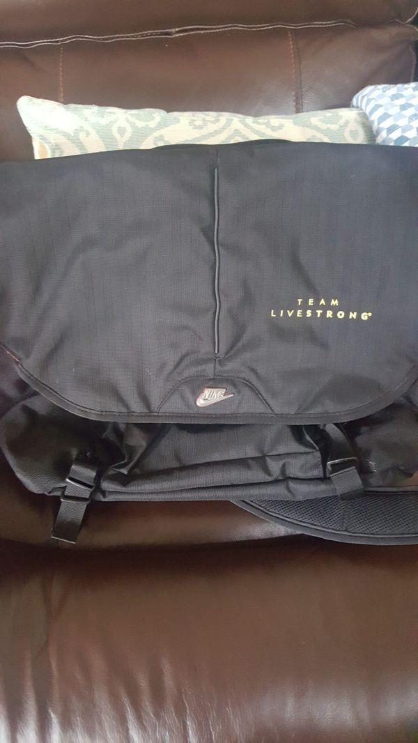 acc3e95dcb02 Livestrong Nike bag computer bag for Sale in Corpus Christi